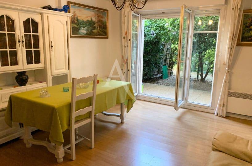 agence immobilière alfortville: appartement 3 pièces 57 m², séjour avec accès jardin privatif