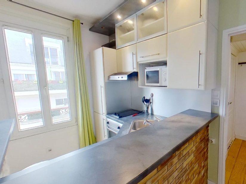 location appartement 94: 2 pièces 45 m², cuisine entièrement équipée, plan de travail