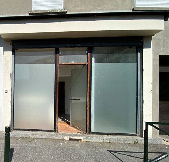 maison a vendre a alfortville: appartement / bureau 7 pièces 128 m², aperçu de la vitrine sur rue de la boutique