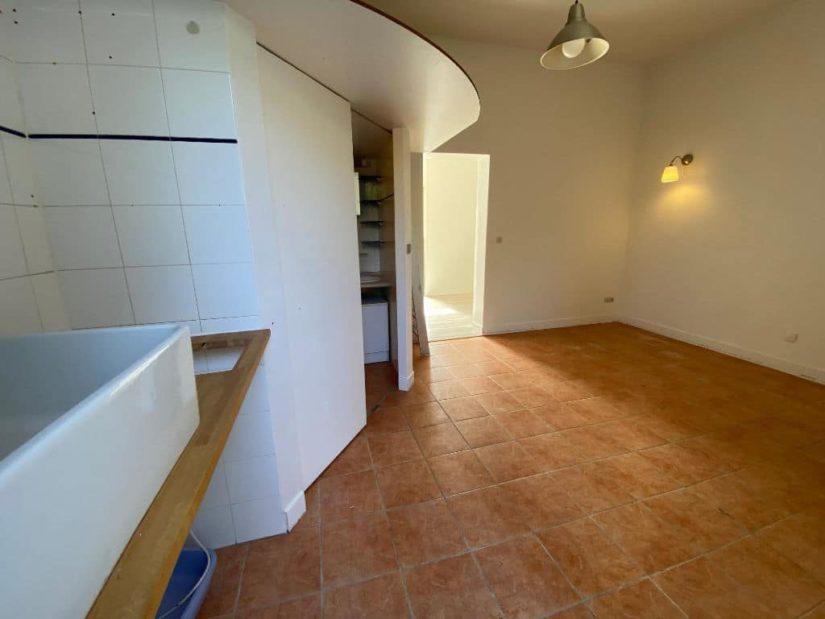 point de vente immobilier: appartement / bureau / boutique sur rue de 7 pièces 128 m², avec cave et box fermé