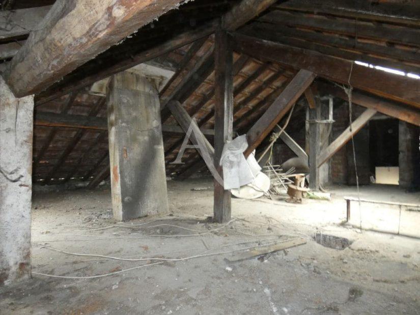 vente direct immo: vente studio 24 m² + comble 60 m² à aménager,