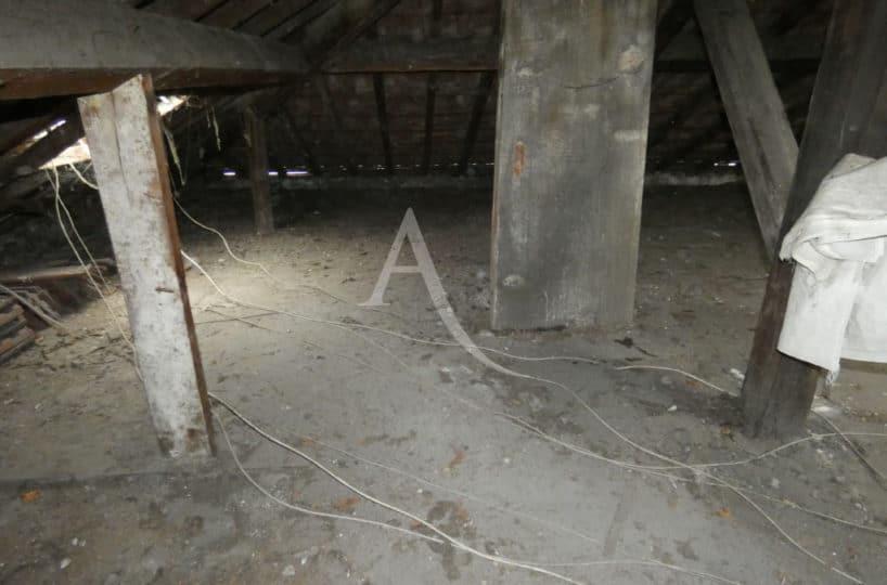 acheter à alfortville: vente studio 24 m² + comble 60 m² à aménager, poutres apparentes