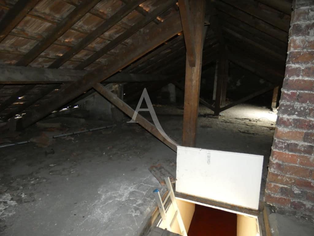 immobilier 94: vente studio 24 m² + comble 60 m² à aménager, trappe pour accès au studio