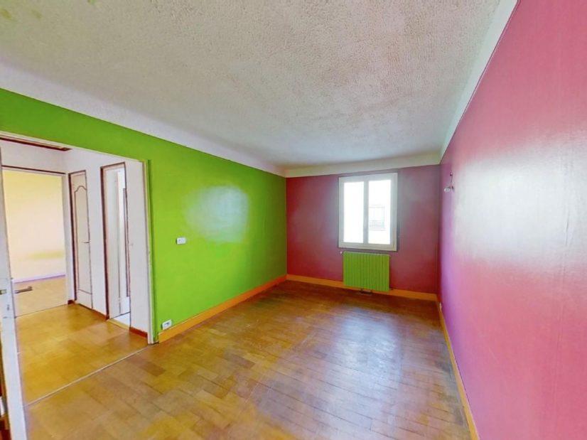 agence immo 94: maison 3 pièces 72 m², 1° étage: 2 chambres, salle d'eau et wc séparé