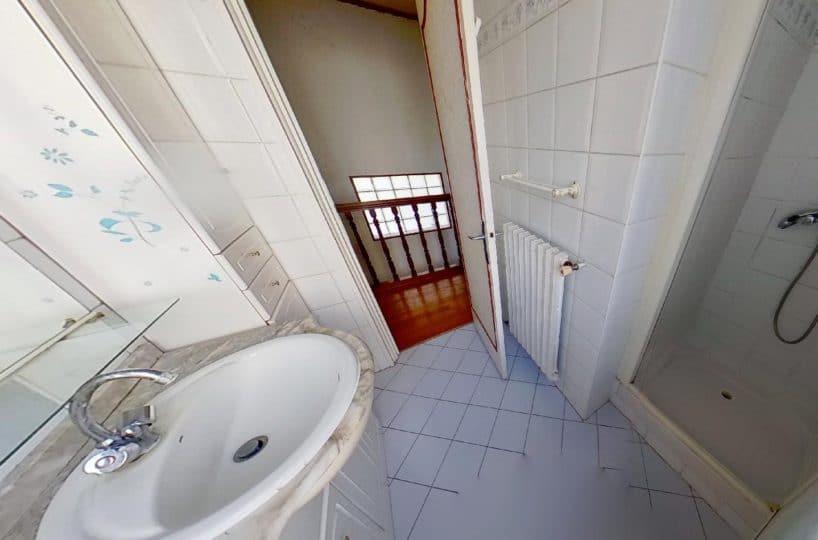 immobilier 94: maison 3 pièces 72 m², salle d'eau au 1° étage, wc séparé