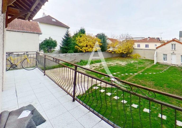 location appartement 94: studio 14 m², vue jardin partagé