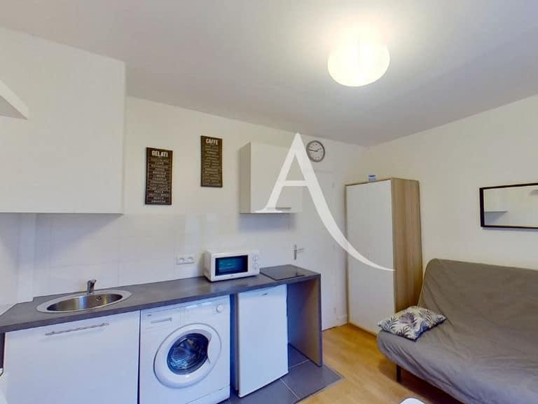 agence immobiliere maisons alfort: studio, cuisine aménagée ouverte sur la pièce principale