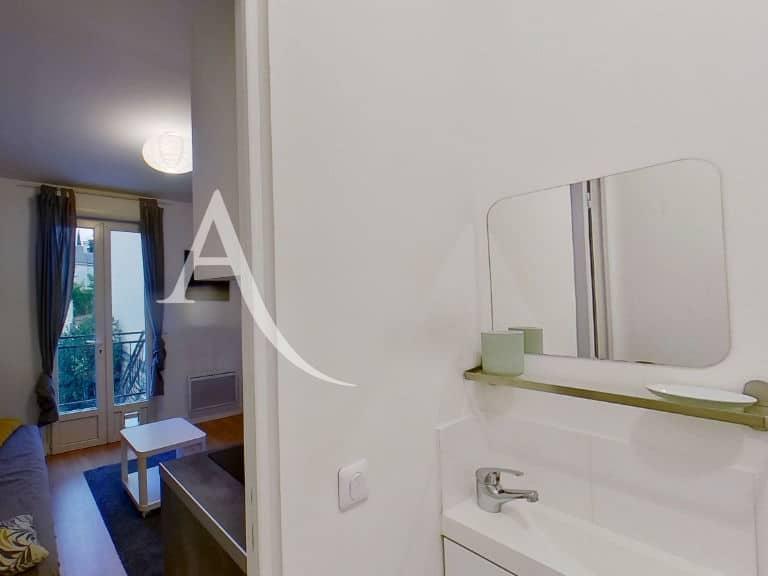 agence immo maisons alfort: studio 14 m², salle d'eau séparée de la pièce principale