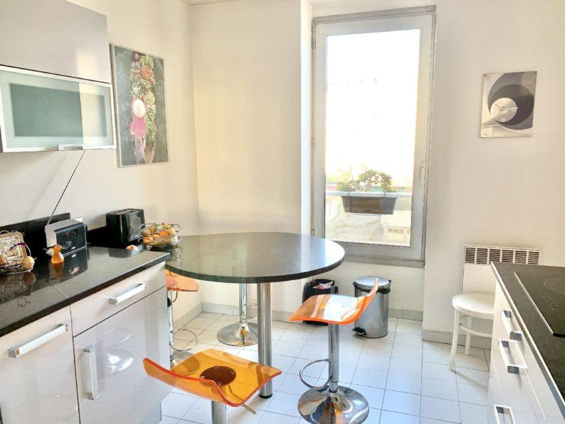 liste agence immobilière 94: appartement 5 pièces 106 m², cuisine indépendante moderne