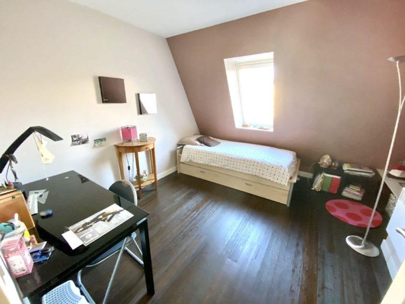 valerie immobilier saint maurice: appartement 5 pièces 106 m², chambre mansardée, vélux