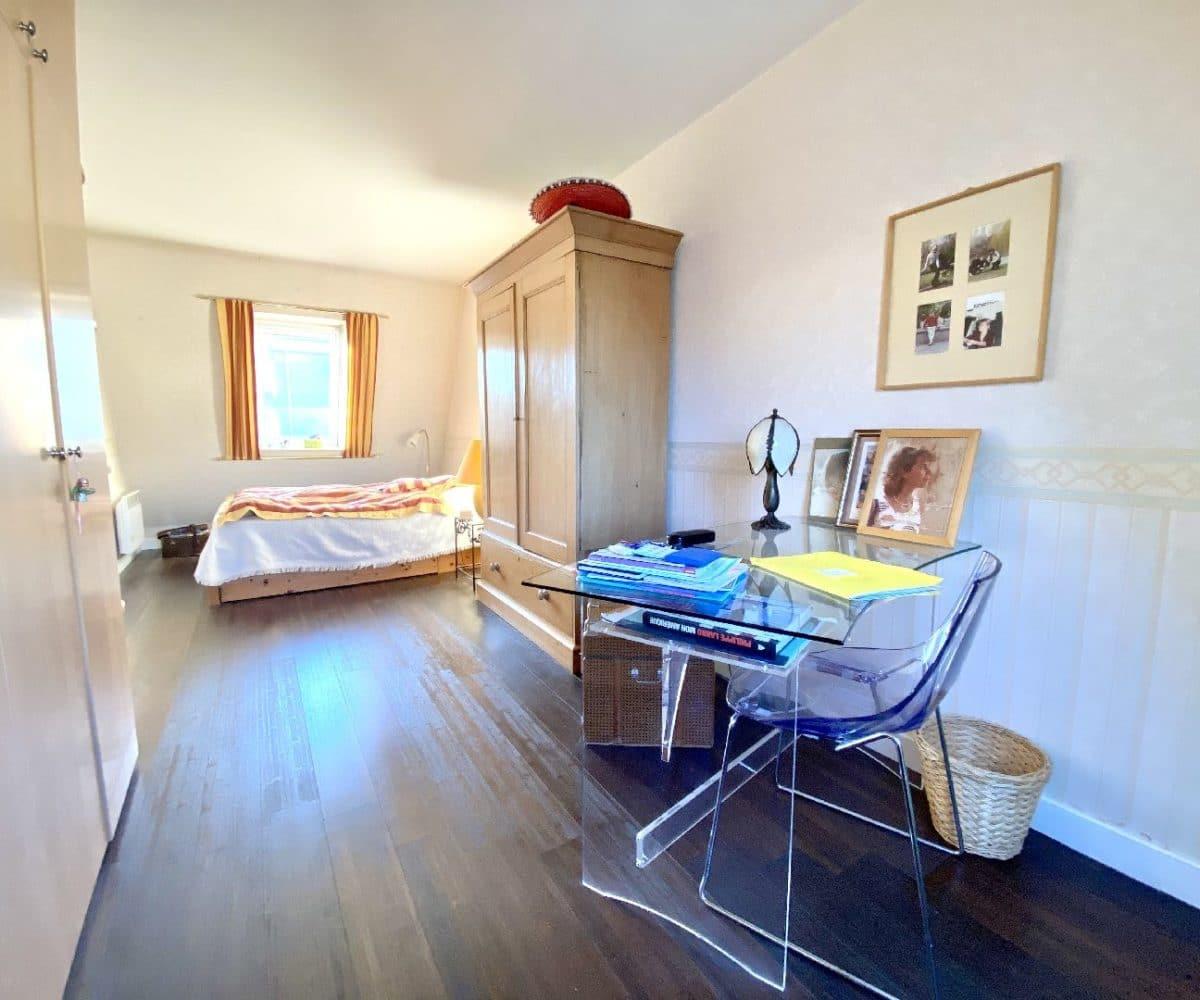 adresse valerie immobilier: appartement 5 pièces 106 m², 2° grande chambre à l'étage