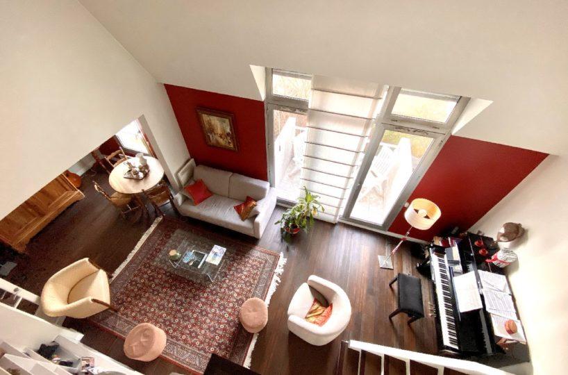 valere immobilier: appartement 5 pièces en duplex, séjour double 29 m² avec large balcon