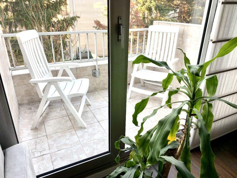 immobilier 94: appartement 5 pièces 106 m², séjour avec balcon, vue sur jardin