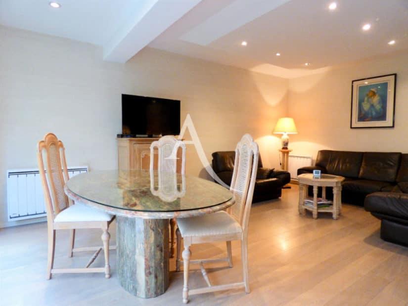 agence immobilière 94: 4 pièces 90 m², salon / séjour avec spots au plafond