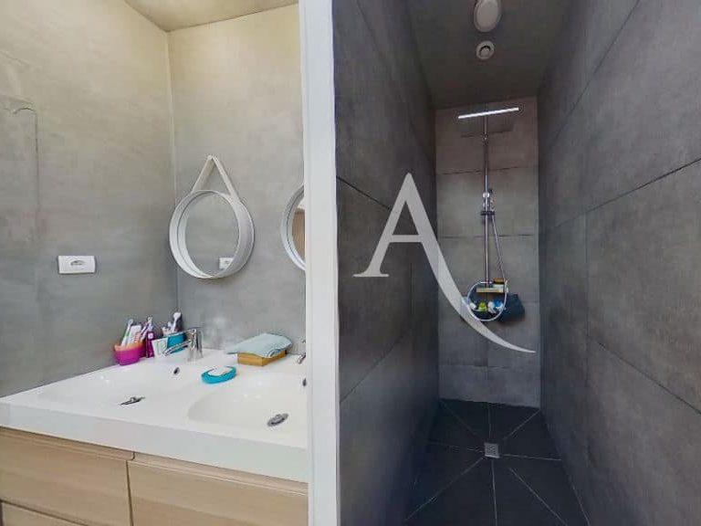 achat appartement alfortville: appartement 5 pièces 125 m², salle d'eau du 1° étage