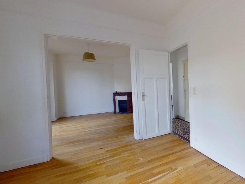 agence immo maisons-alfort: maison 4 pièces 90 m², double séjour avec cheminée d'angle