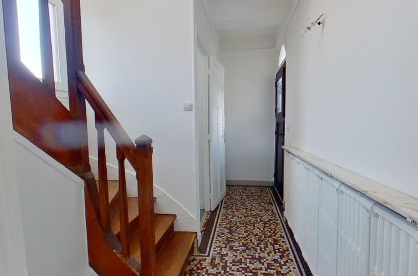 agences immobilières maisons alfort: maison 4 pièces 90 m², escalier d'accès à l'étage