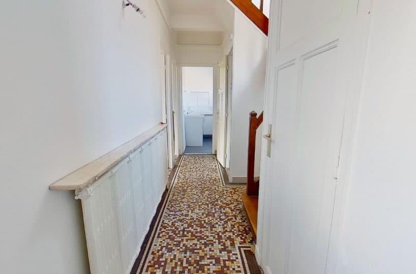 immobilier maisons-alfort: maison 4 pièces 90 m², hall d'entrée avec rangements et wc séparés