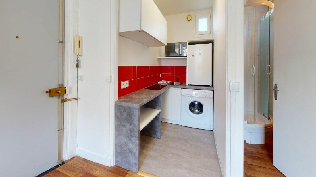 location appartement alfortville: 17 m², coin kitchenette aménagée et équipée