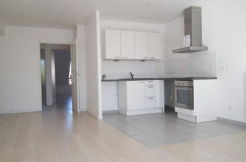 agence immo alfortville: 3 pièces 58 m², séjour ouvert sur cuisine, parking, 3° étage avec ascenseur