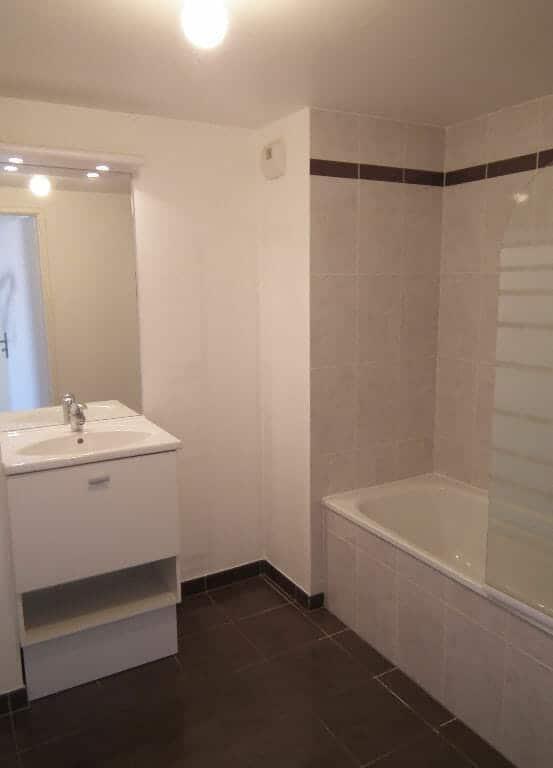 agence immobilière 94: 3 pièces 58 m², salle de bain avec baignoire, alfortville nord