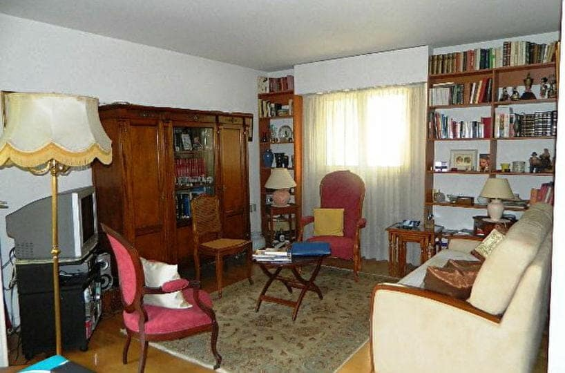 vente appartement maisons-alfort, 2 pièces 48 m², séjour avec balcon, porte-fenêtre en bois double vitrage