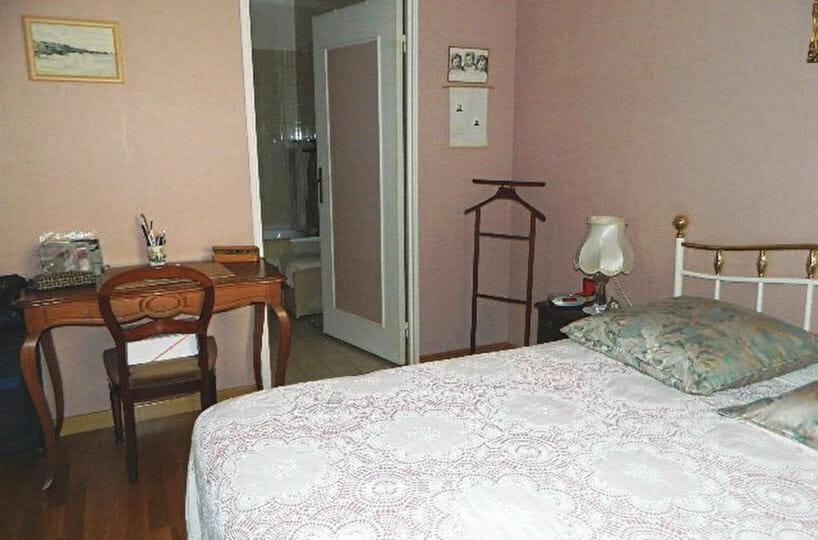 vendre appartement maisons-alfort: appartement 2 pièces 48 m², chambre avec parquet flottant
