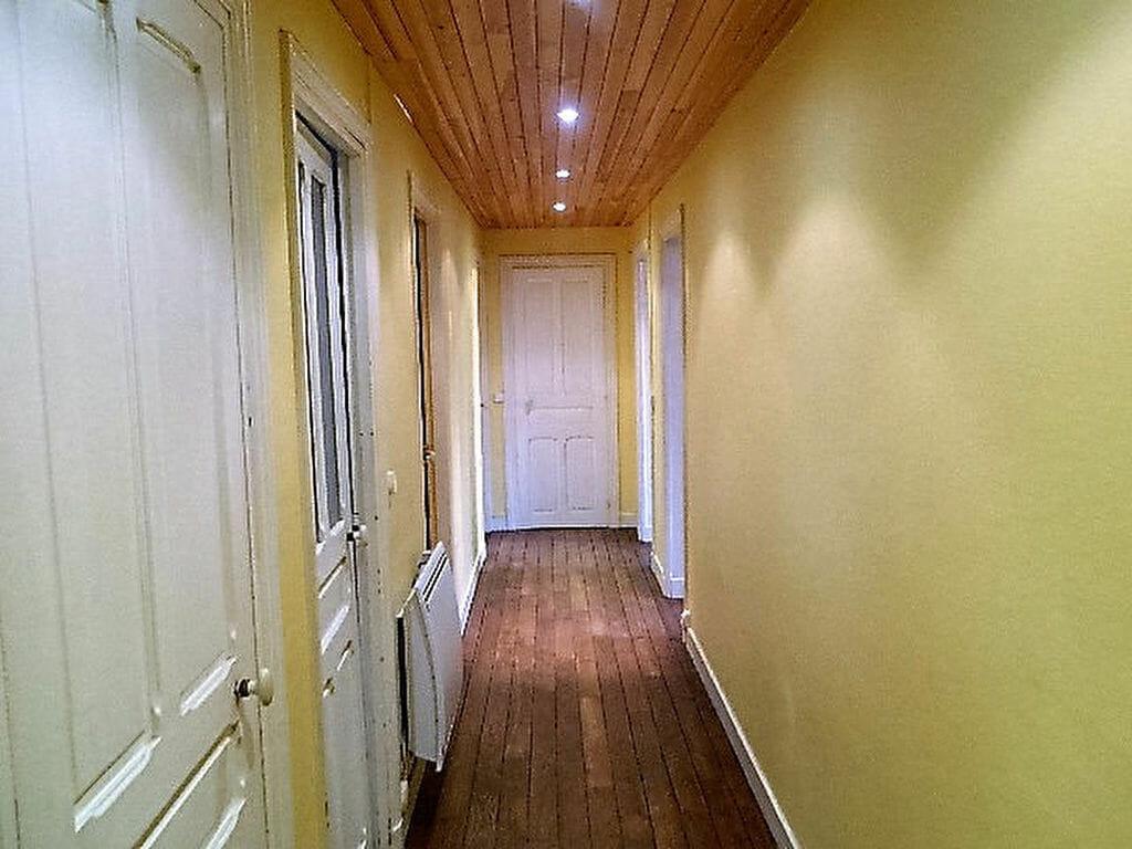 location appartement maisons alfort:  4 pièces 72 m², grande entrée avec parquet au sol
