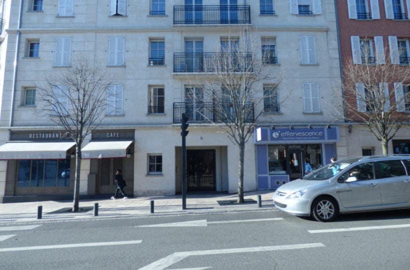 agence immobiliere maisons-alfort: appartement 4 pièces 77 m², résidence 2008, double places de parking en sous-sol