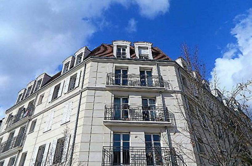 appartement a vendre maisons alfort: résidence de 2008, double places de parking en sous-sol