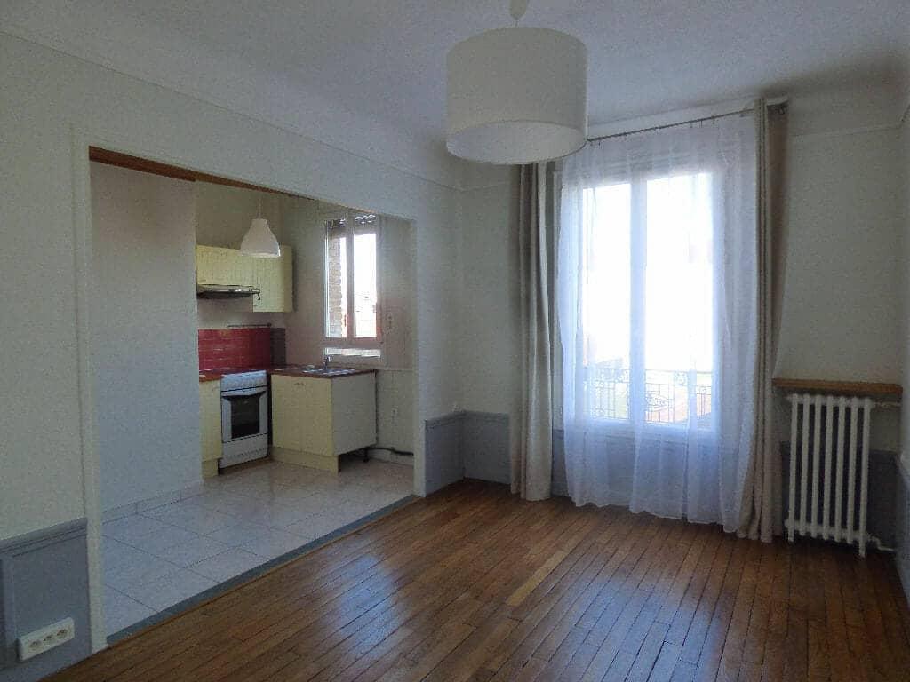 location appartement alfortville: 2 pièces 40 m² refait à neuf, sur cour, centre ville mairie