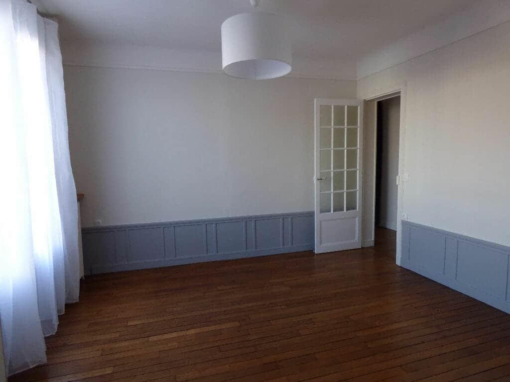 immo alfortville: appartement 2 pièces 40 m², séjour de 12,10 m² lumineux, plafonnier