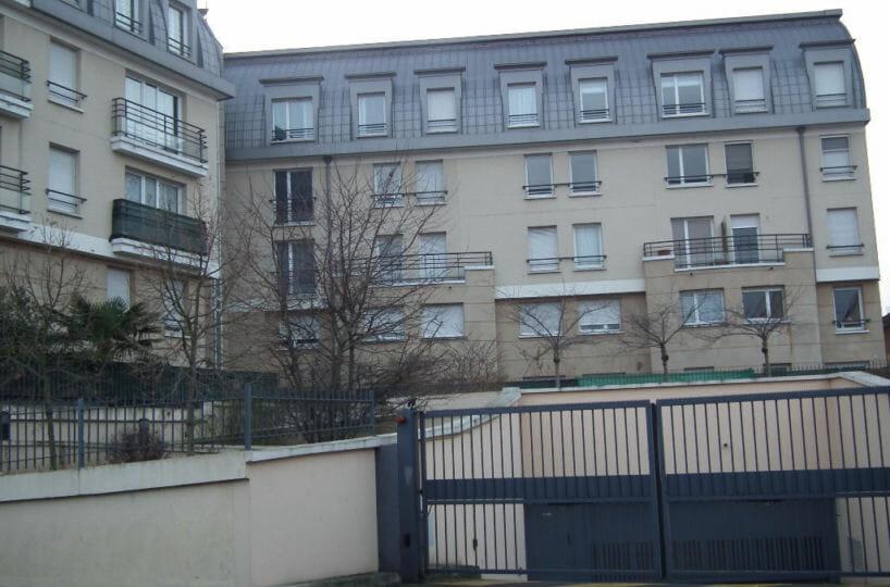 agence immobilière alfortville: à louer appartement 2 pièces 43 m², parking en sous-sol, immeuble récent