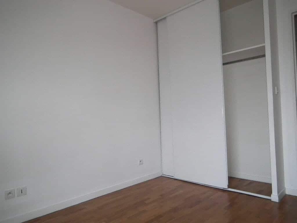 l adresse alfortville: 2 pièces 43 m², chambre avec armoire/penderie encastrée