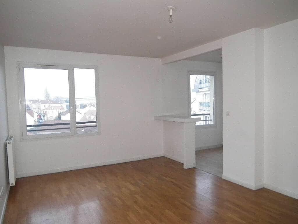 location appartement alfortville: 2 pièces 43 m², séjour lumineux avec cuisine us ouverte