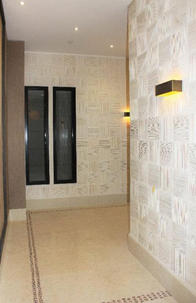 logement maisons alfort: studio 33 m², hall de la résidence