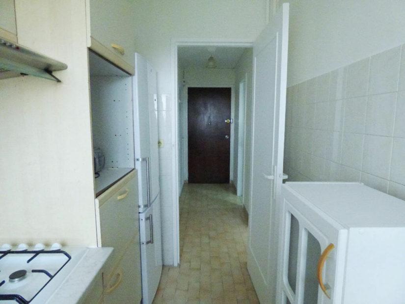 location studio dans le 94, 27 m², cuisine indépendante aménagée et équipée