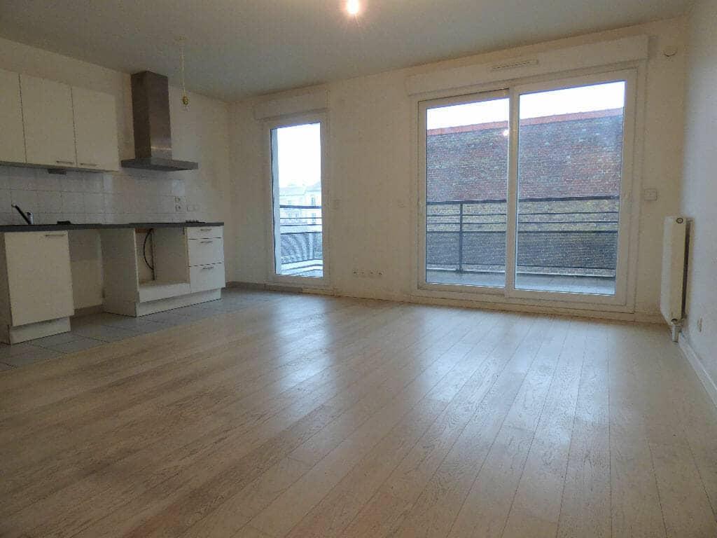 appartement alfortville location: 2 pièces 45 m², séjour ouvert sur cuisine et balcon filant