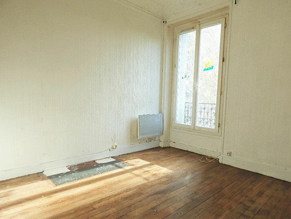 location immobiliere maisons alfort: 3 pièces, deuxième chambre, parquet au sol et moulures au plafond