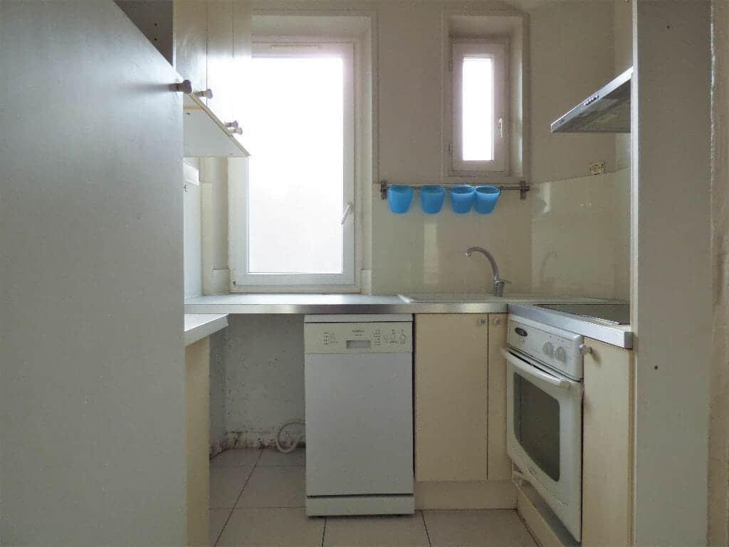 appartement a louer maison alfort: 3 pièces 47 m², cuisine aménagée, 2 fenêtres, rangements