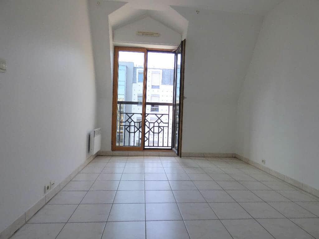 agence immobilière 94: 2 pièces 48 m², salon de 18 m², charenton le pont