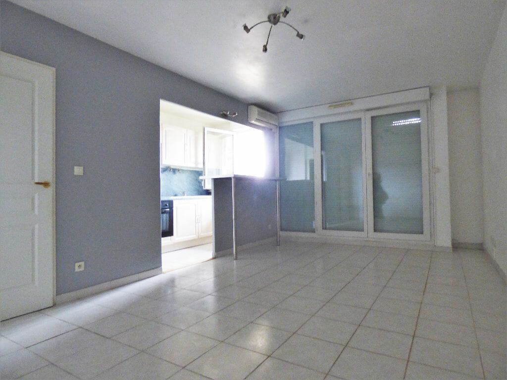 location appartement val de marne: 2 pièces 44 m², salon / séjour accès terrasse / jardin