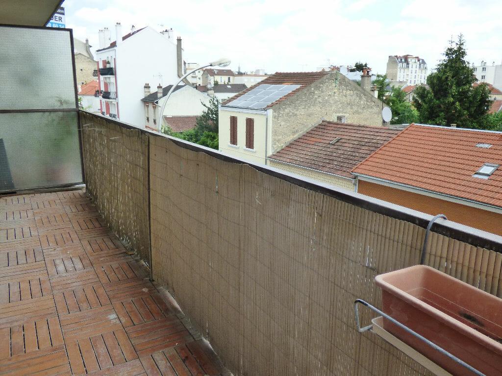 appartement alfortville location : studio 32 m², aperçu du balcon de 8 m² accès salon