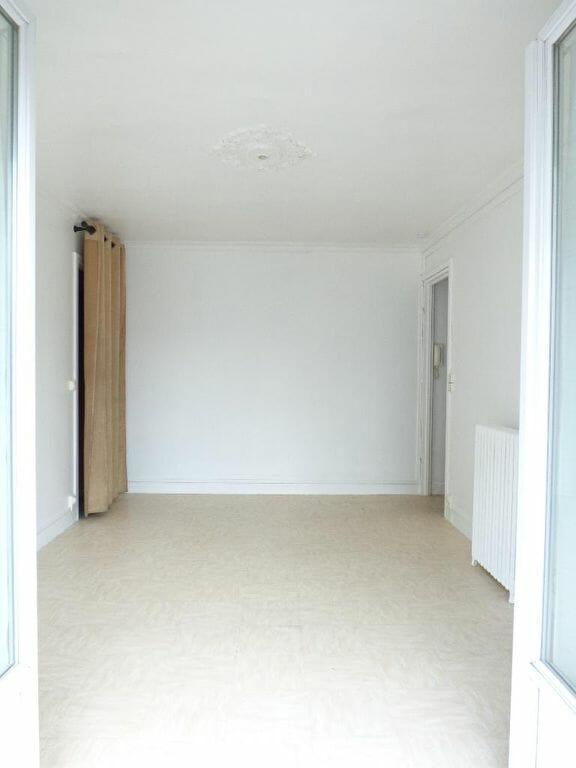 l'adresse valerie immobilier - appartement vitry sur seine 2 pièces de 39.07m² + balcon + cave + emplacement parking - annonce 2271 - photo Im06