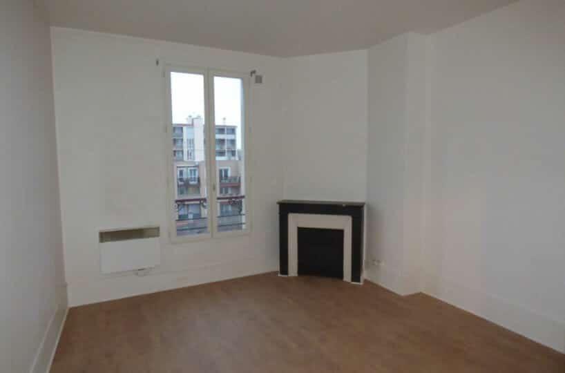 agence immo alfortville: 2 pièces 34 m², pièce à vivre avec fenêtres bois double vitrages