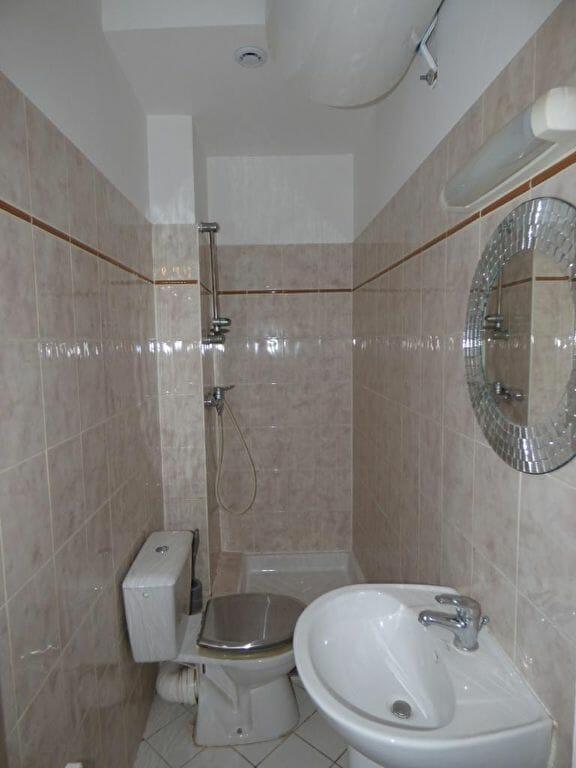 estimation appartement alfortville: 2 pièces 34 m², salle d'eau avec douche, lavabo et wc