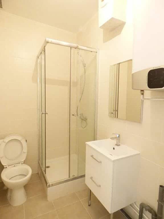 appartement a louer alfortville: 2 pièces 26 m², salle d'eau avec douche et wc