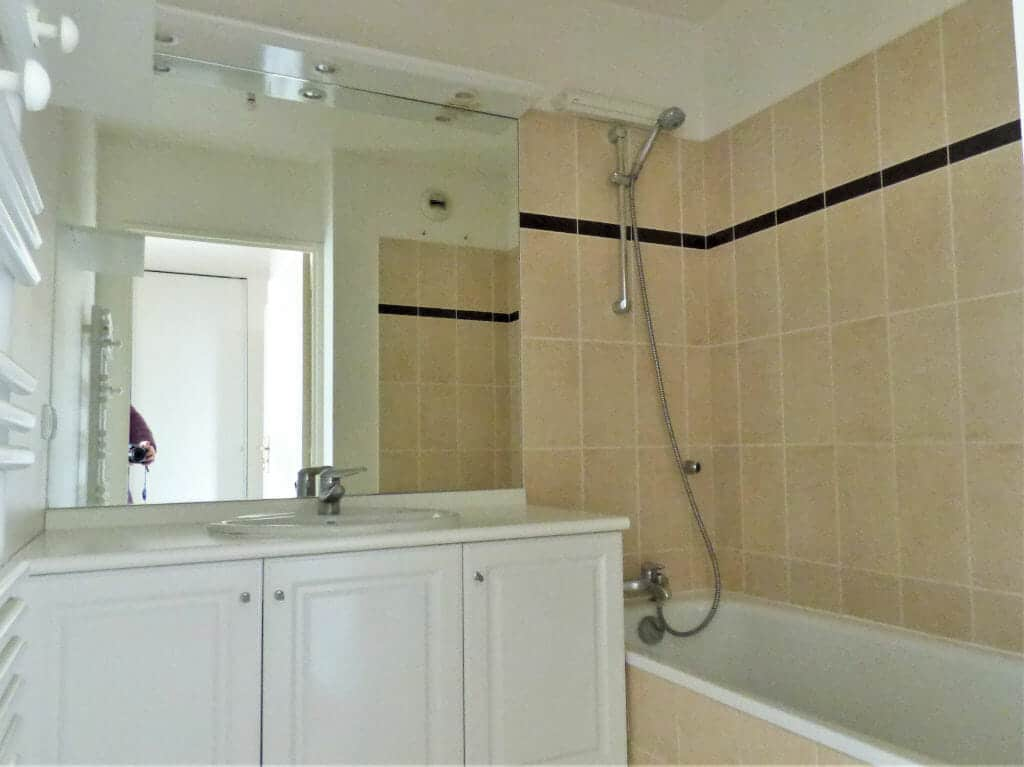 agence immobilière maison alfort: 3 pièces 63 m², salle de bain avec baignoire, wc séparé