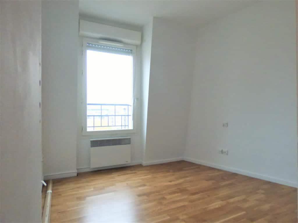 agence immo maisons alfort: 3 pièces 63 m², séjour refait à neuf, parquet au sol