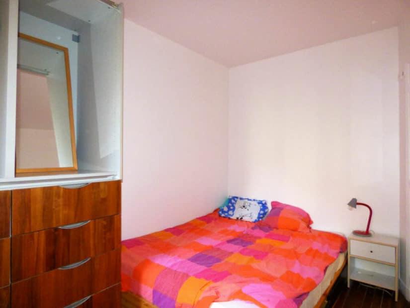 l4adresse: 2 pièces 28 m², chambre double avec rangements qui donne sur la cour